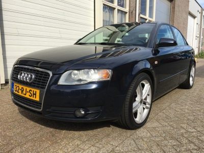 Audi A4 3.2 FSI q. Pro Line