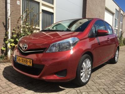 Toyota Yaris 1.0 VVT-i navigatie, camera