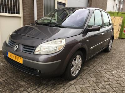 Renault Scénic 2.0-16V Priv.Luxe