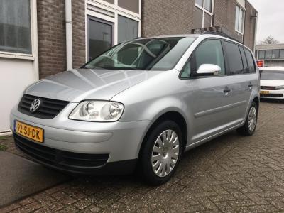 Volkswagen Touran 1.6-16V FSI Optive I