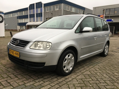 Volkswagen Touran 1.6-16V FSI