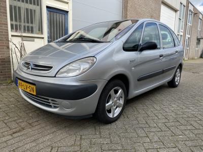 Citroën Xsara Picasso 1.8i-16V Différence