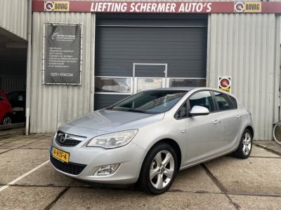 Opel Astra 1.4 Turbo Edition